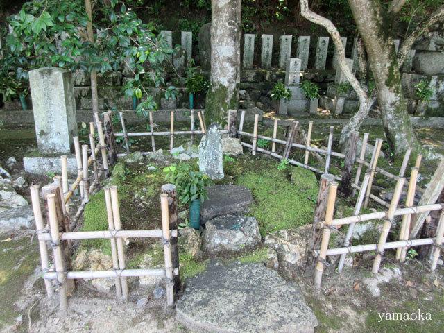 去来の墓は、小さかった。_f0071480_16160945.jpg
