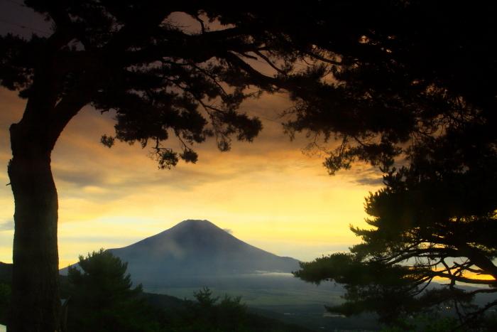 令和元年8月の富士(9)二十曲峠の夕焼けの富士_e0344396_17150742.jpg
