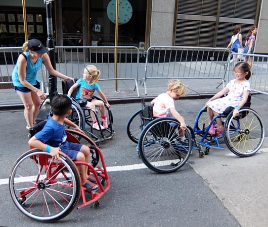 Summer Streets、子ども向け車椅子バスケの体験コーナー by New York Rolling Fury_b0007805_19063902.jpg