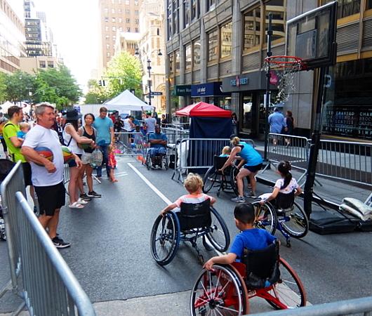 Summer Streets、子ども向け車椅子バスケの体験コーナー by New York Rolling Fury_b0007805_19102013.jpg