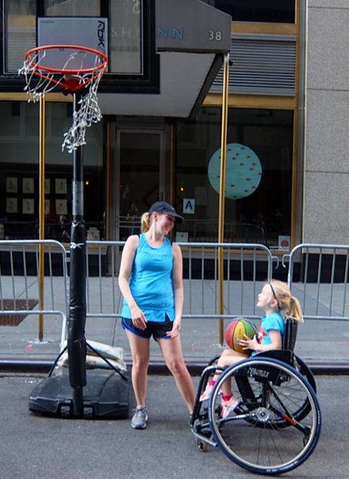 Summer Streets、子ども向け車椅子バスケの体験コーナー by New York Rolling Fury_b0007805_19112419.jpg
