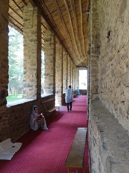 ゴンダールの見どころはこちら(天使の天井画の教会など)_d0360509_19190395.jpg