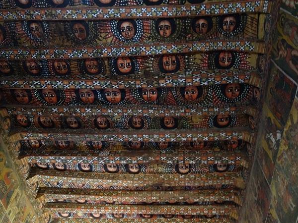 ゴンダールの見どころはこちら(天使の天井画の教会など)_d0360509_19190770.jpg