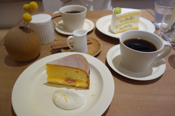 SIGNE COFFEEさんでヴィクトリアケーキ_e0230011_17223065.jpg