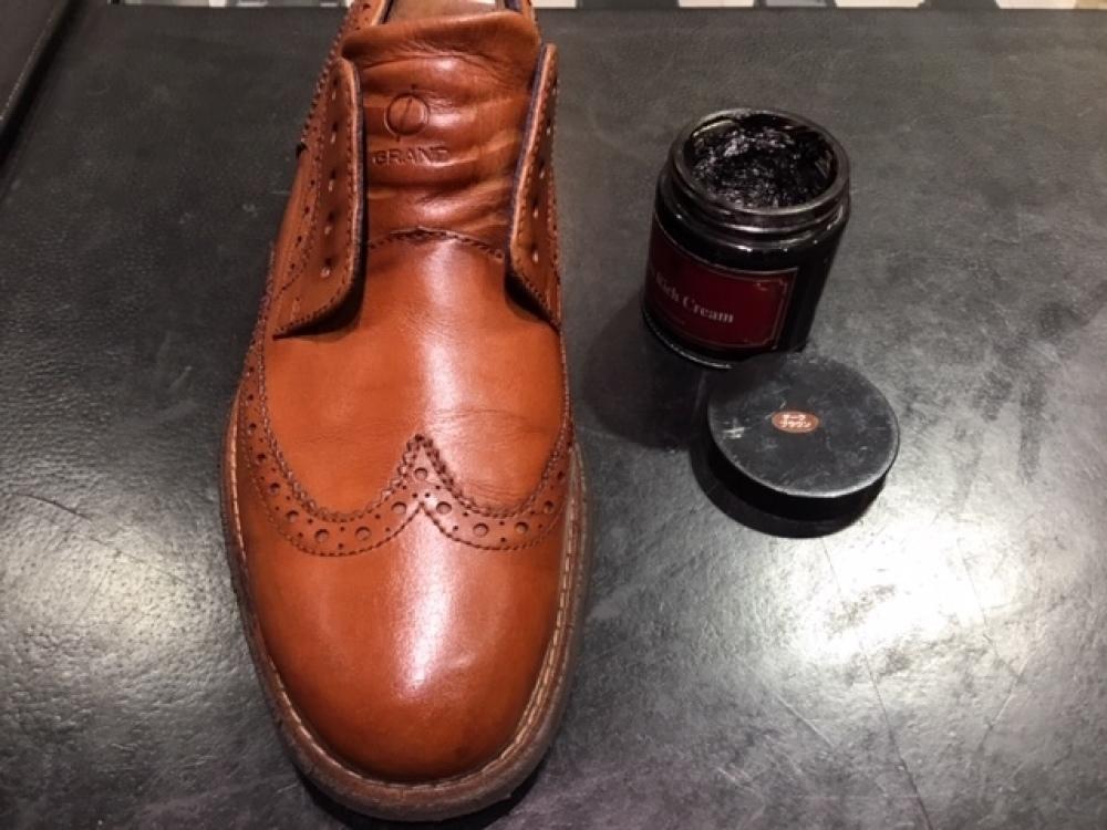 靴の色味より濃いクリームを使ってみました。(前篇)_b0226322_13334390.jpg