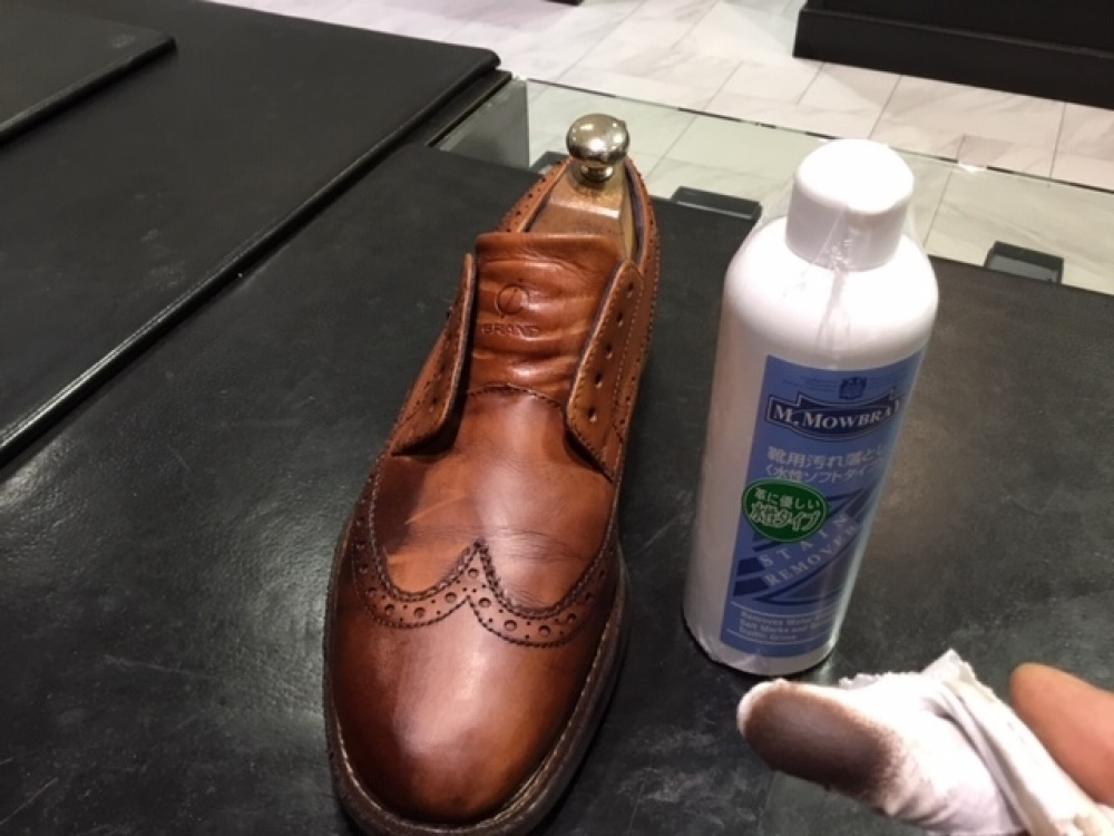 靴の色味より濃いクリームを使ってみました。(前篇)_b0226322_13341014.jpg