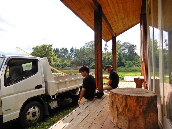 高根町Y田さん邸の作業小屋作り4_a0211886_16343859.jpg