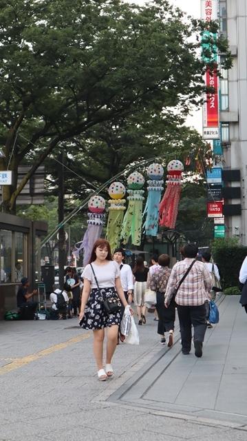藤田八束の日本の祭り@華やかな仙台七夕まつり、観光客でにぎわう定禅寺通り・・・鉄道写真_d0181492_09045855.jpg
