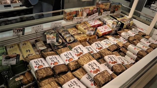 藤田八束の飛行場訪問@伊丹空港で飛び交う飛行機たち、伊丹空港のお弁当が美味し、空弁紹介_d0181492_20424785.jpg