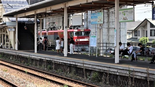 藤田八束の鉄道写真@日韓問題泥沼化する解決の糸口はいかに政治とはこんなにも難しいことか、貨物列車と東北本線東仙台にて_d0181492_20524434.jpg