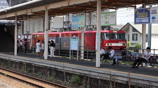 藤田八束の鉄道写真@日韓問題泥沼化する解決の糸口はいかに政治とはこんなにも難しいことか、貨物列車と東北本線東仙台にて_d0181492_20540532.jpg