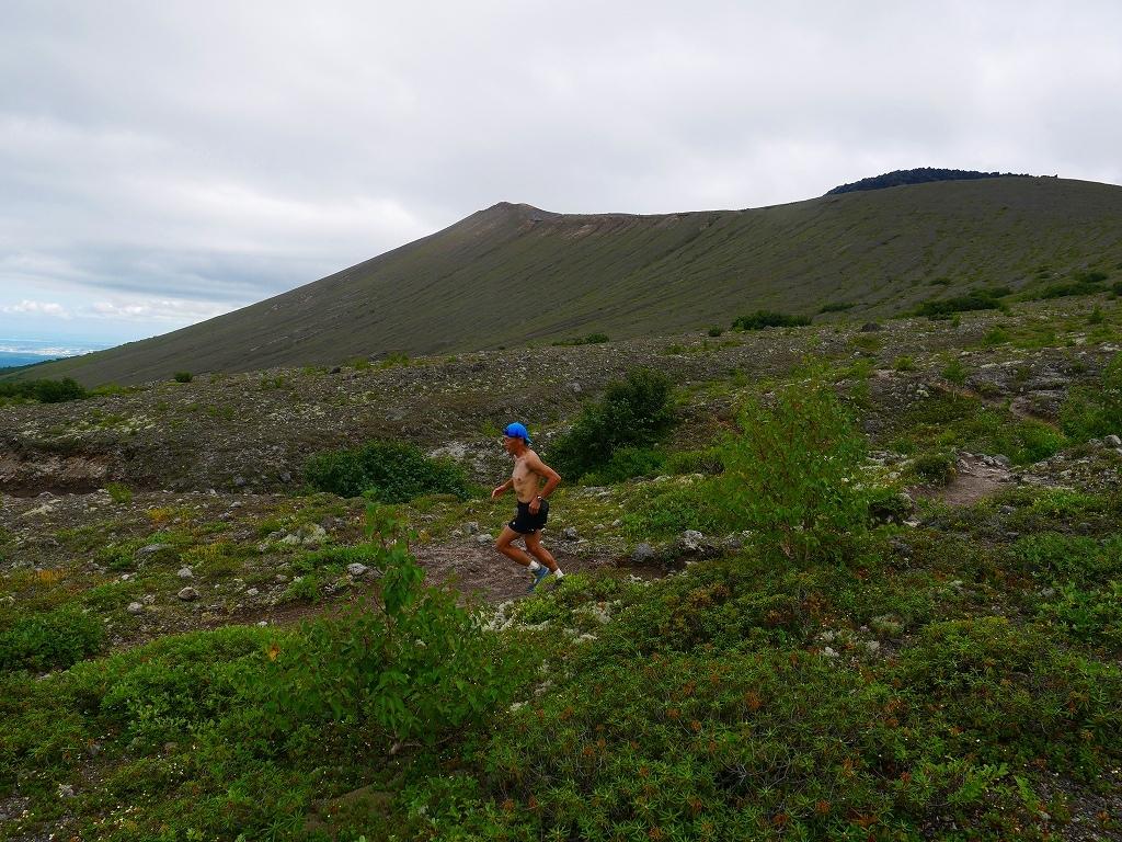 シラタマノキが見頃の樽前山、2019.8.13_f0138096_10073478.jpg