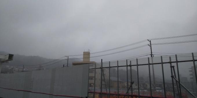 広島市などは夕方から激しい雨_e0094315_17220855.jpg