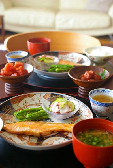 今日も鮭朝食_d0327373_09073499.jpg
