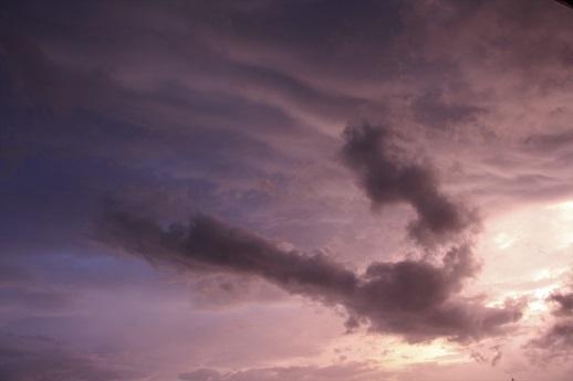 雲で遊ぶ_a0333195_22133884.jpg