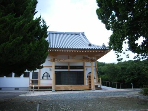 高市総務相が靖国神社を参拝 _c0192503_23374573.jpg