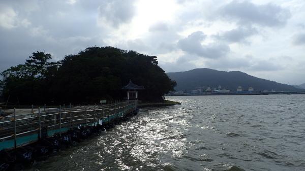 台風_c0367107_07392086.jpg