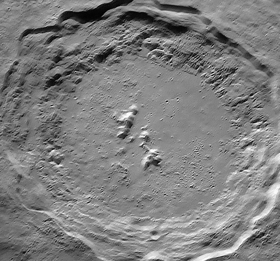 チリスコープの口径100cmの反射望遠鏡が捉えた月のコペルニクスクレーター_d0063814_13482558.jpg