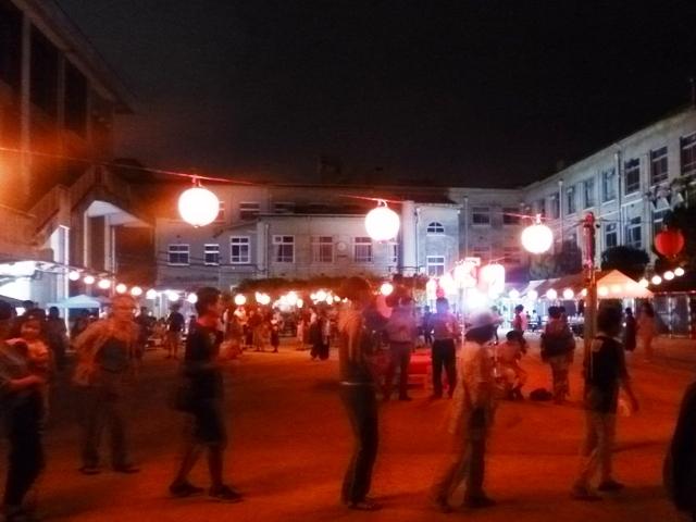 銅駝美術高校の盆踊り大会・五山の送り火_e0230141_21441652.jpg