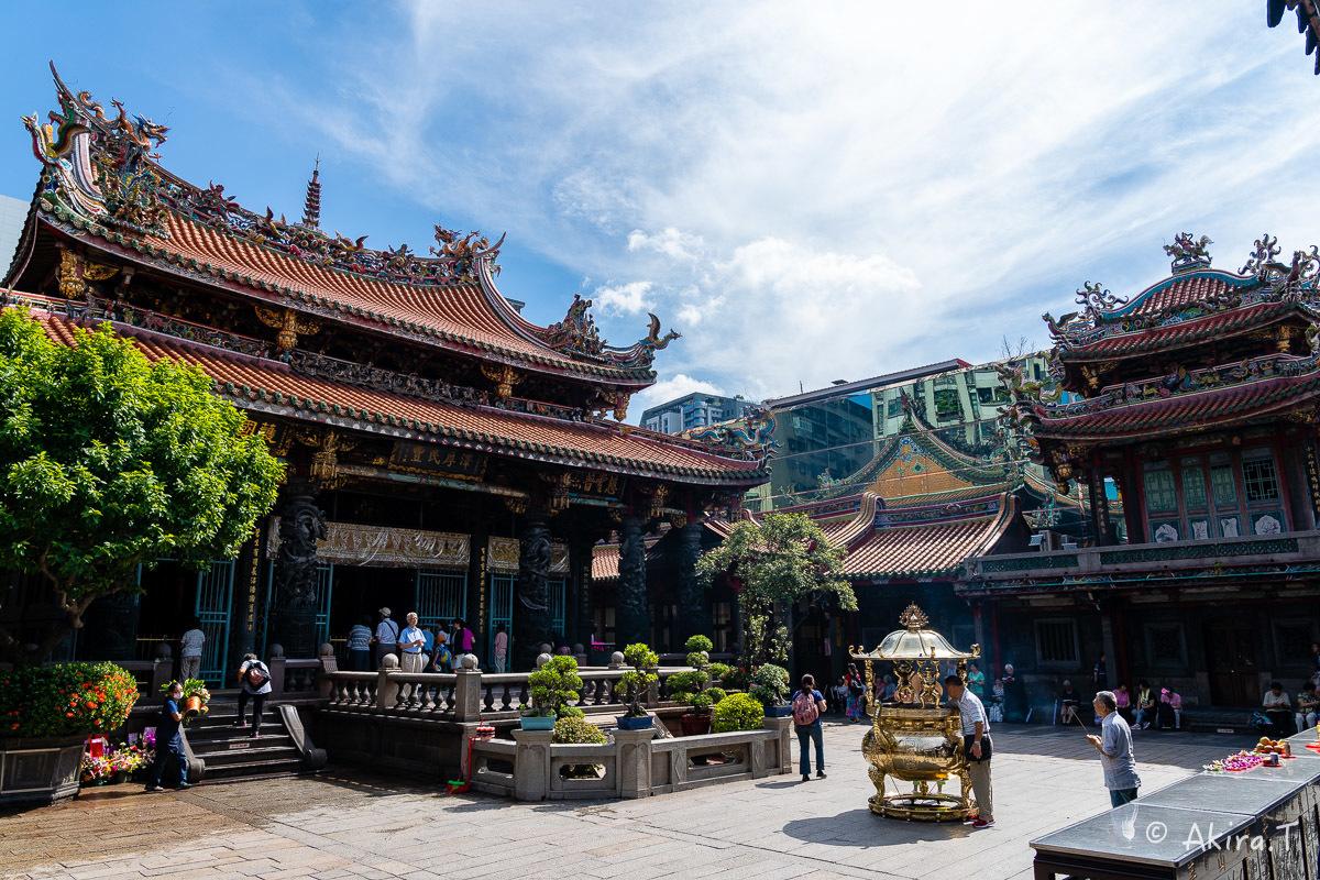 台湾 -8- 〜龍山寺〜_f0152550_15130017.jpg