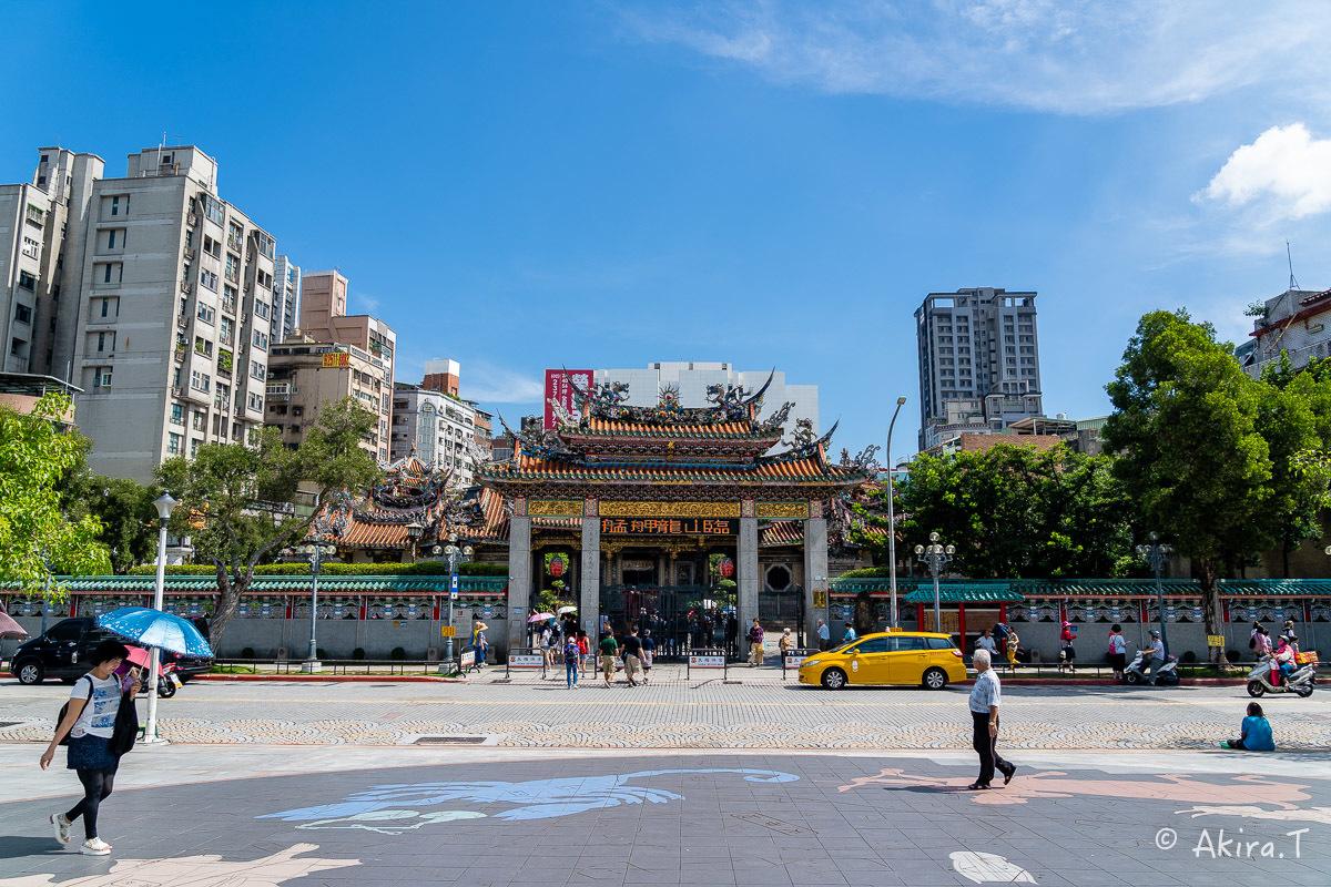 台湾 -8- 〜龍山寺〜_f0152550_15132364.jpg