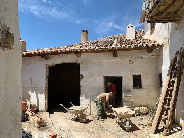田舎の家はいよいよ修復工事_c0213220_527442.jpg