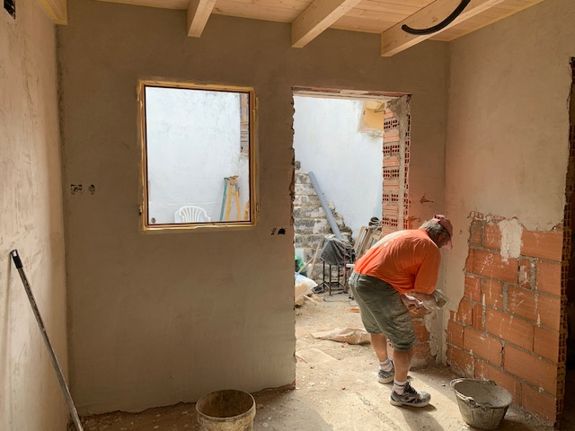 田舎の家はいよいよ修復工事_c0213220_5304574.jpg