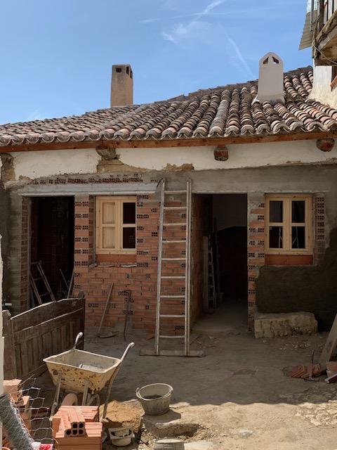 田舎の家はいよいよ修復工事_c0213220_5335281.jpg