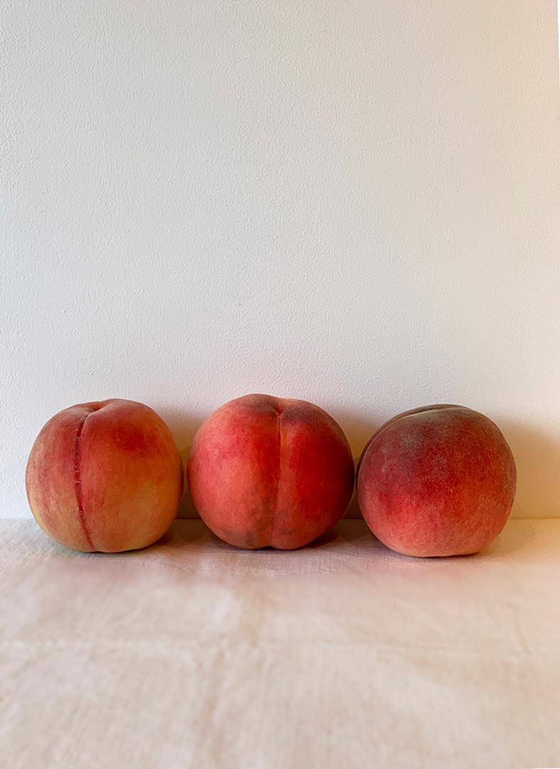 桃の季節。。。& Man Rayを思い出し。。。_e0243332_21021490.jpg