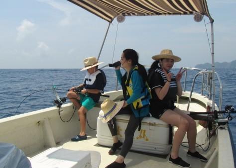 奄美の海遊び「青の洞窟・珊瑚礁・さかな釣り」_c0203337_20304465.jpg