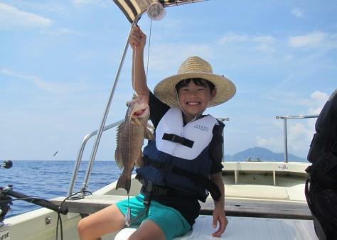 奄美の海遊び「青の洞窟・珊瑚礁・さかな釣り」_c0203337_20305528.jpg