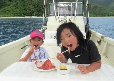 奄美の海遊び「青の洞窟・珊瑚礁・さかな釣り」_c0203337_20313452.jpg