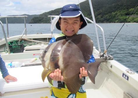 奄美の海遊び「青の洞窟・珊瑚礁・さかな釣り」_c0203337_20315362.jpg