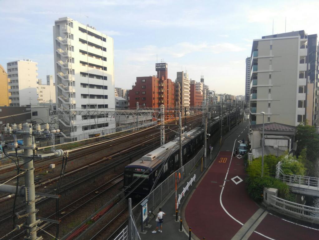 線路紺色電車