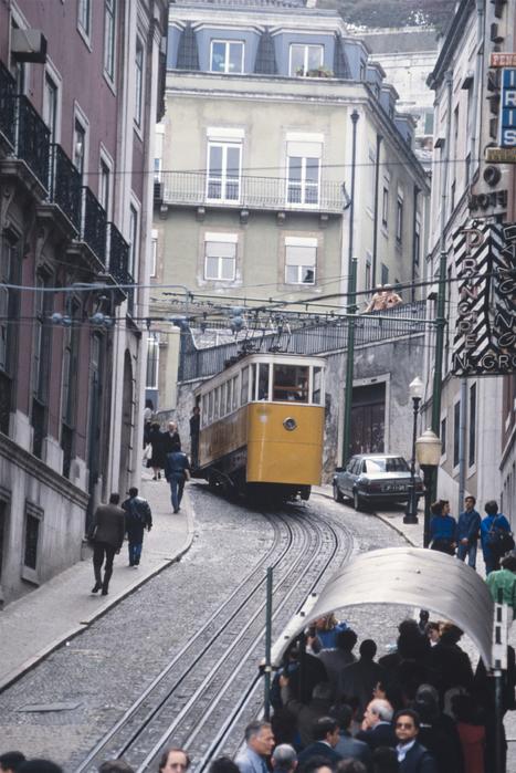 坂の街リスボン_f0103459_7443320.jpg