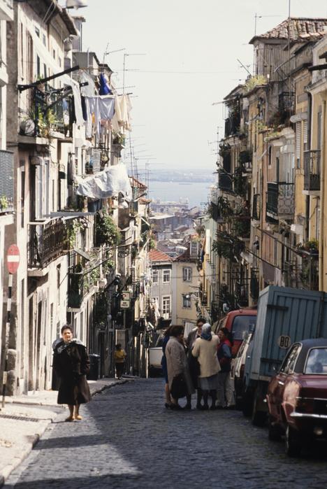 坂の街リスボン_f0103459_7592834.jpg