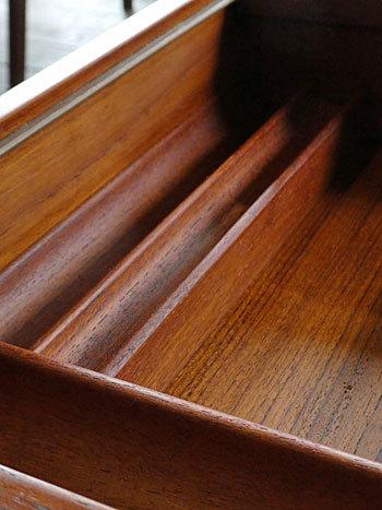 Sewing table_c0139773_13080981.jpg
