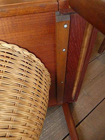 Sewing table_c0139773_13125937.jpg