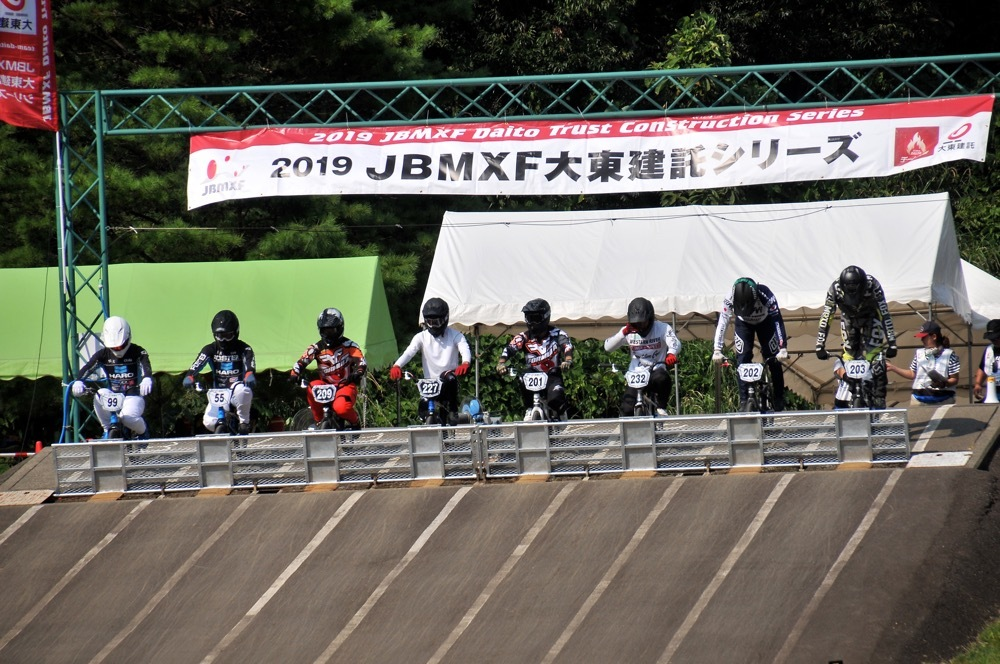 2019年8月17日上越金谷山BMXトラックで開催されたJBMXFJ2戦男子チャンピオシップクラス(エリート/ジュニア)決勝_b0065730_18051693.jpg