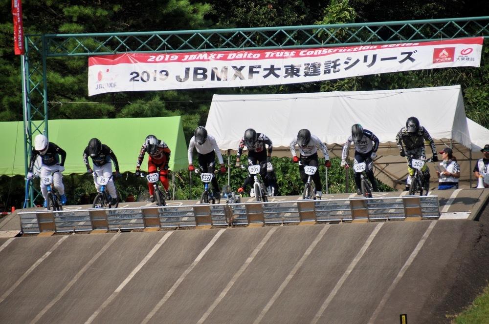 2019年8月17日上越金谷山BMXトラックで開催されたJBMXFJ2戦男子チャンピオシップクラス(エリート/ジュニア)決勝_b0065730_18054725.jpg
