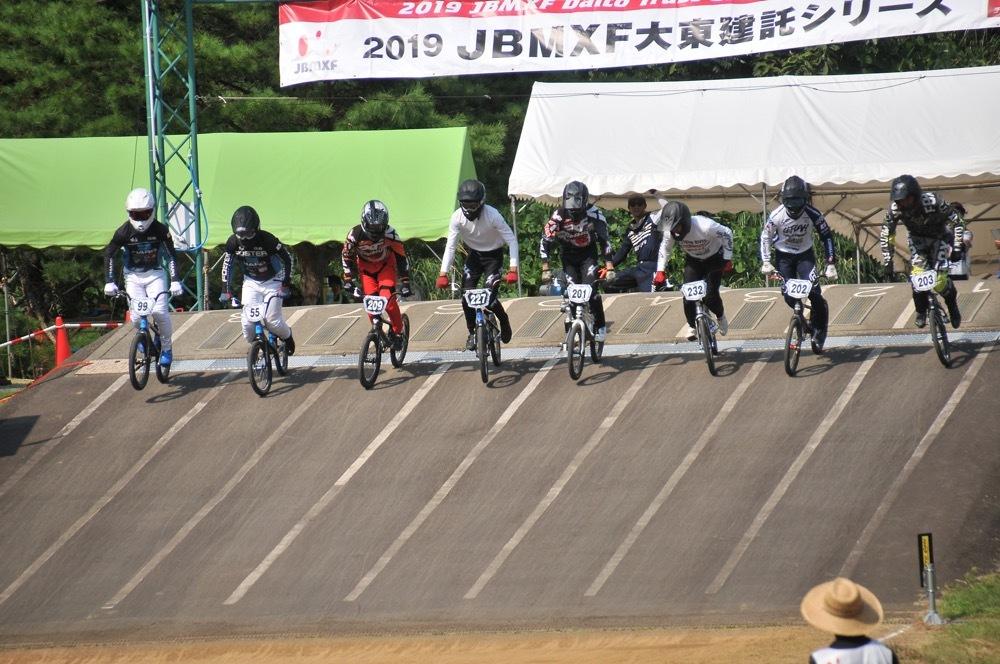 2019年8月17日上越金谷山BMXトラックで開催されたJBMXFJ2戦男子チャンピオシップクラス(エリート/ジュニア)決勝_b0065730_18063952.jpg