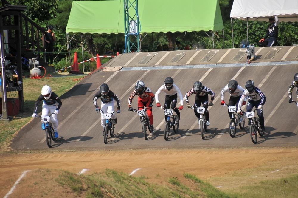 2019年8月17日上越金谷山BMXトラックで開催されたJBMXFJ2戦男子チャンピオシップクラス(エリート/ジュニア)決勝_b0065730_18074775.jpg