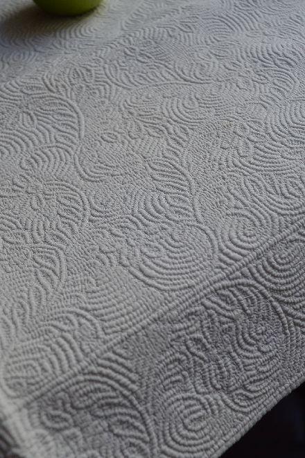 18世紀のマルセイユの極上白キルト「VERMICURE」_b0346275_09370892.jpg