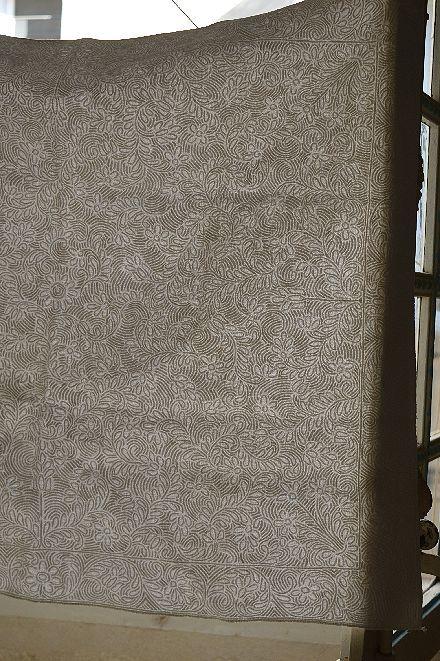 18世紀のマルセイユの極上白キルト「VERMICURE」_b0346275_09375989.jpg