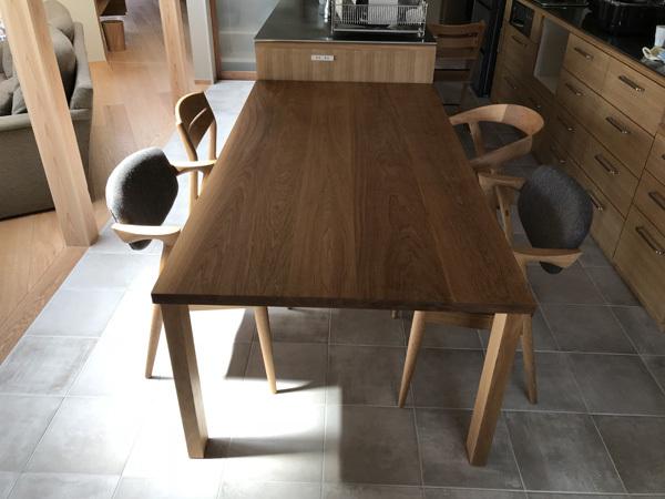 家具納品(椅子選びの形と素材)_f0264887_22160017.jpg