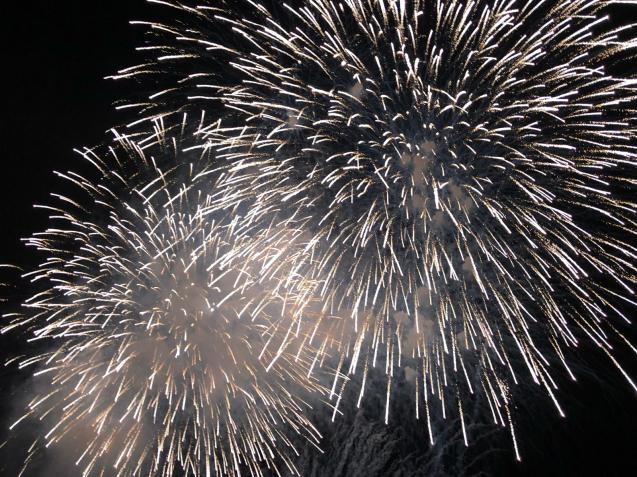 花火の写真は難しい_f0144003_21100276.jpg