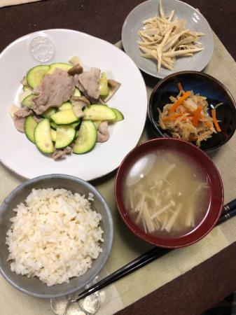 豚肉のズッキーニの炒め物_d0235108_20061179.jpg