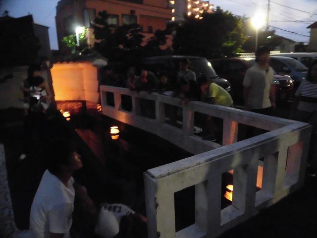 夏の最後の行事 毎年8月16日は「わきみず寺」(法雲寺)の「灯篭流し」_f0141310_06410853.jpg