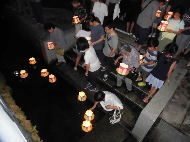 夏の最後の行事 毎年8月16日は「わきみず寺」(法雲寺)の「灯篭流し」_f0141310_06412872.jpg