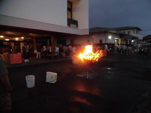 夏の最後の行事 毎年8月16日は「わきみず寺」(法雲寺)の「灯篭流し」_f0141310_06414967.jpg